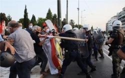 kourdoi tourkoi syntagma